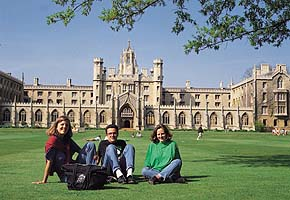 Yurtdışında Üniversiteye Hazırlık eğitimi