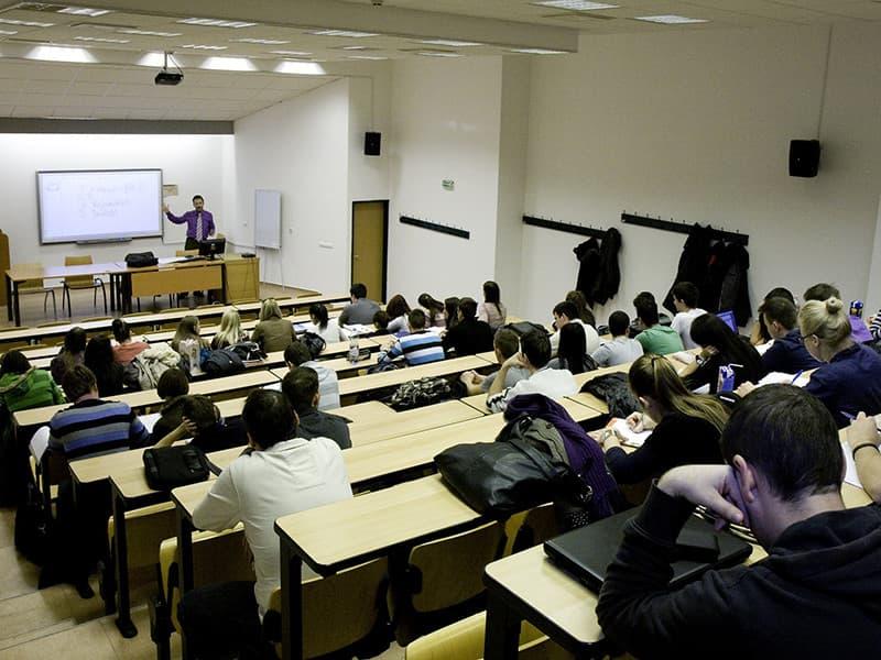 Budapeşte Üniversitesi
